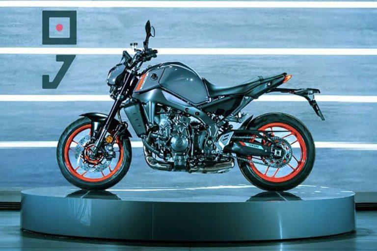 Kawasaki Z650 2022 nổi bật hơn với bộ khung màu đỏ bắt mắt